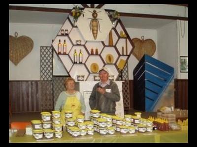 J Beekeeping Club