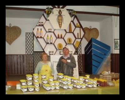 J Beekeeping Club